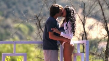 Chloe Amour - French Kiss
