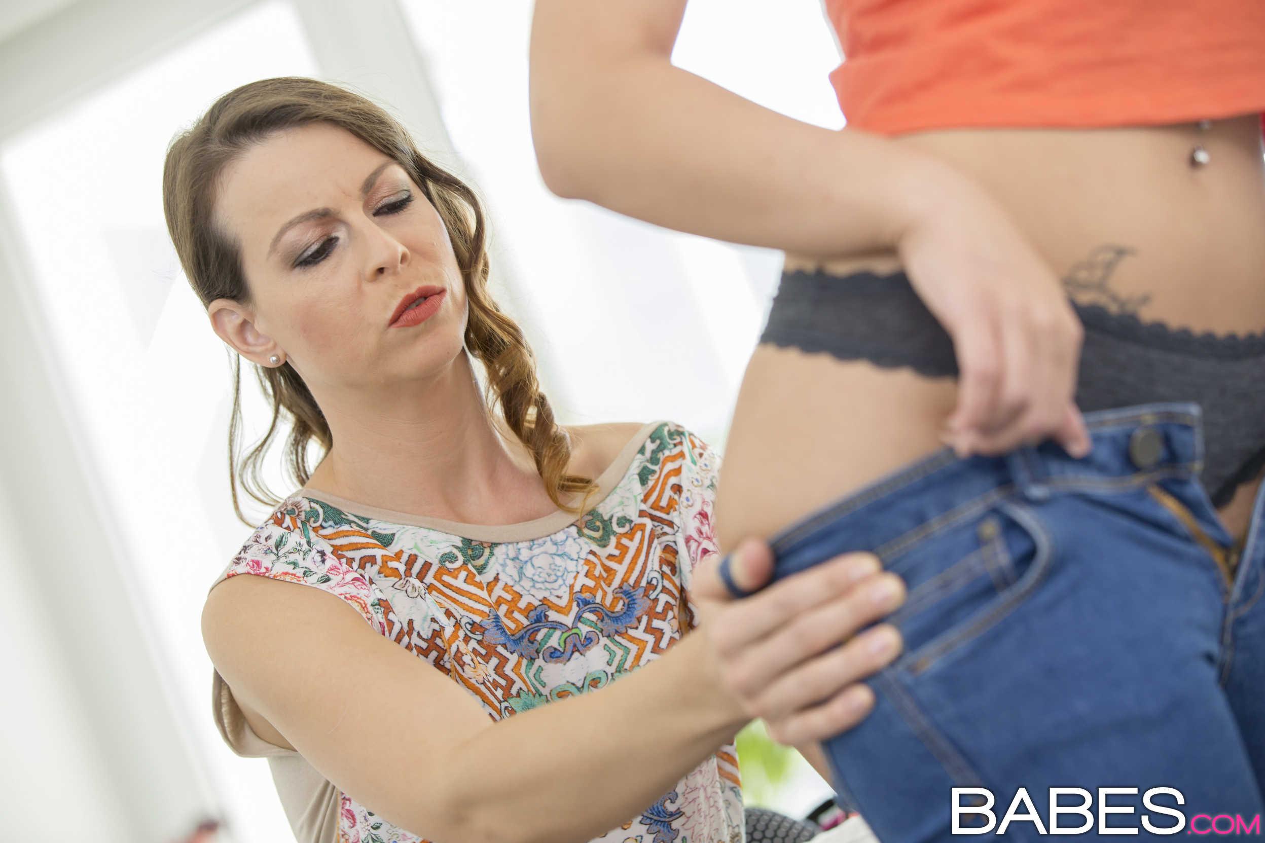 Babes 'Ladies First' starring Caroline Adrolino (Photo 28)