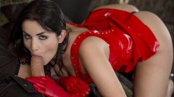 Loren Minardi in 'Hotel Sex'