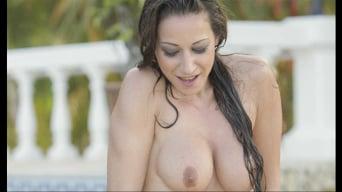 Martina Gold in 'Fun Pool'
