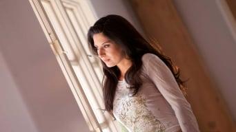 Nikki Daniels in 'Love Between Rooms'