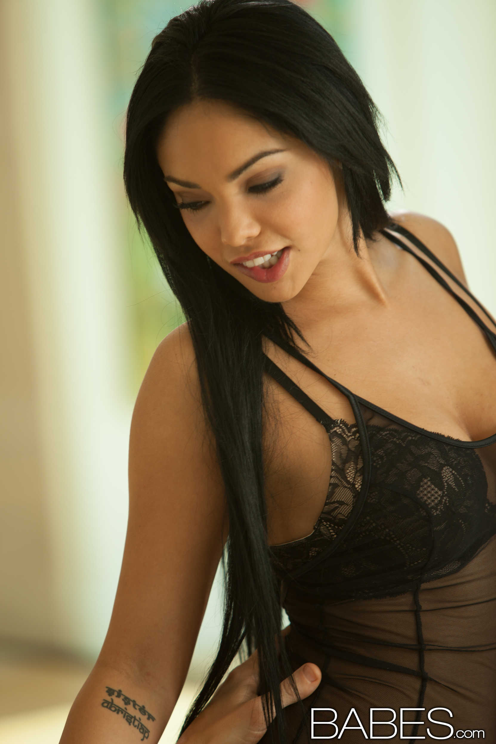 Babes 'Lay Her Down' starring Selena Rose (Photo 6)